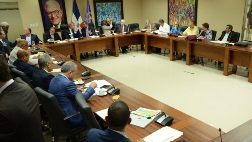 Reunión del Comité Político del PLD encabezada por el presidente Danilo Medina y Leonel Fernández.    Nicolás Monegro