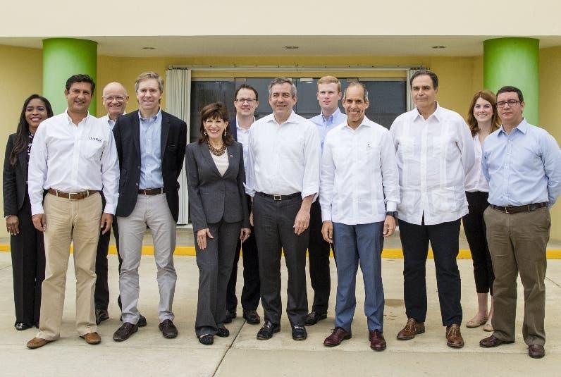 El encuentro se produjo en la sede de la entidad eléctrica.
