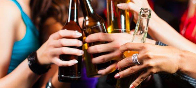Las cifras de niños y adolecentes intoxicados por alcohol en asuetos van en aumento.