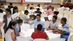 Algunos participantes en el Ideatón realizado previo al Hackthon.