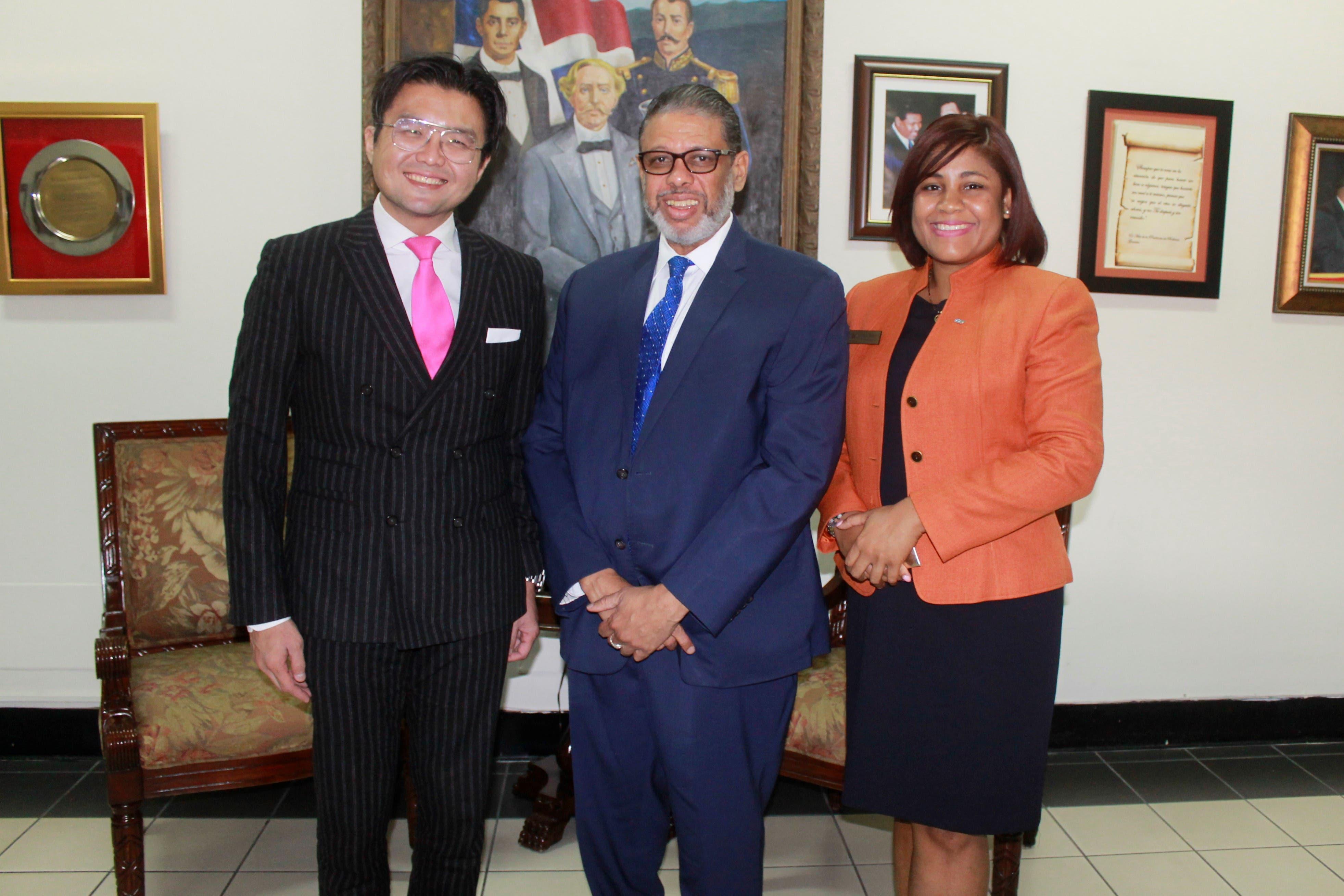 Presidente de la JCI visita Inposdon para conocer dinámica del comercio electrónico