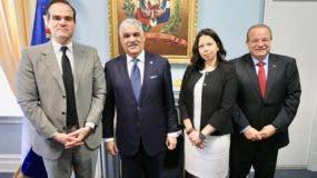 Mauricio Claver-Carone, Miguel Vargas, Jessica Bedoya Hermann y José Tomás Pérez.