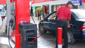 El galón de gasolina regular bajará RD$3.20 y se venderá a RD$224.10.