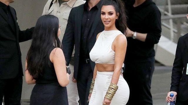 Kim Kardashian cobra hasta 25 millones de pesos por un posteo en redes sociales