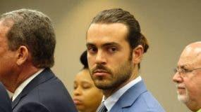 Lyle, que fue detenido poco después de los hechos, quedó en un primer momento en libertad condicional con una fianza de 5.000 dólares.