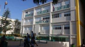 se-sublevan-estudiantes-de-utesa-en-puerto-plata-denuncian-cobros-excesivos-y-restricciones-para-investidura