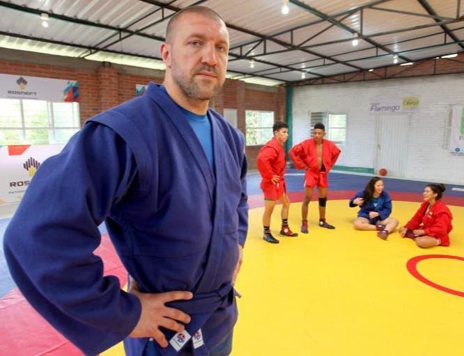 El maestro de Sambo Dmitry Maximov impartirá taller de entrenadores en el País