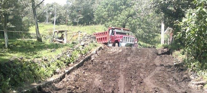 Reclaman construcción de carreteras y puentes en varias comunidades de Puerto Plata