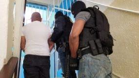 Manuel Esmelin Tejeda Santana o Feliz Quintero Aguilar, alias Alex de 29 años, fue detenido en Santo Domingo Este.