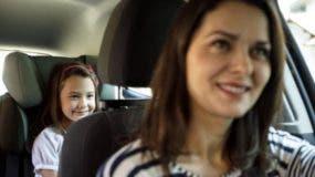 Cuando vas en auto, ¿prefieres sentarte adelante o atrás?