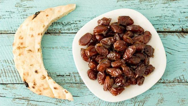 El ayuno del Ramadán consiste en no tomar bebida ni comida durante las horas de luz.