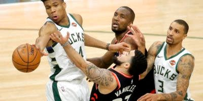 Toronto Raptors at Milwaukee Bucks