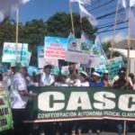 La marcha partió desde la Torre Empresarial y finalizará en el Congreso Nacional