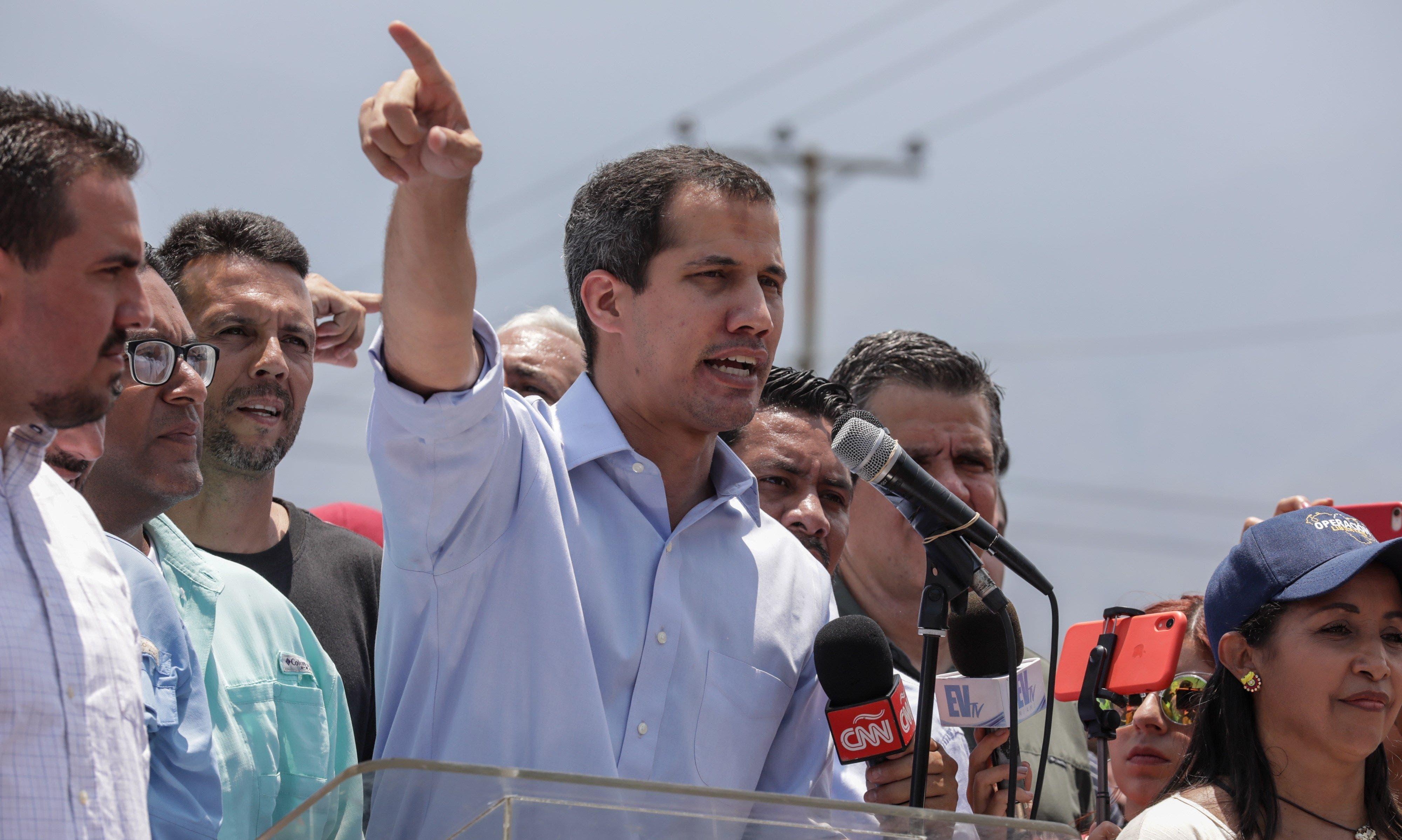 """Guaidó dice que Gobierno de Maduro está débil y quiso """"manipular"""" con diálogo"""