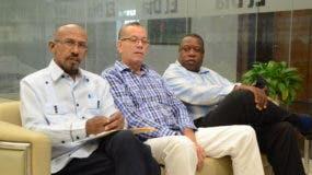 Eddis Castillo, junto a representantes de CODODSALUD.Foto: Jorge González.