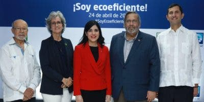 Domingo Marte, Ginny Heinsen, Mariel Bera, Víctor Viñas y Roberto Herrera.