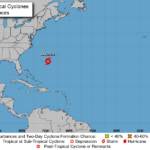 En su boletín de las 6-30 de la tarde hora local (10.30 GMT), el NHC indica que se espera que el centro de Andrea permanezca al suroeste o al sur de las Bermudas durante el martes o los dos próximos días.