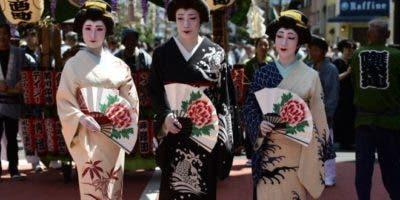 El kimono es una prenda tradicional que tiene siglos de tradición en Japón.