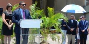 José P. Monegro  habla en representación de los directores  de los periódicos del Grupo. José de león