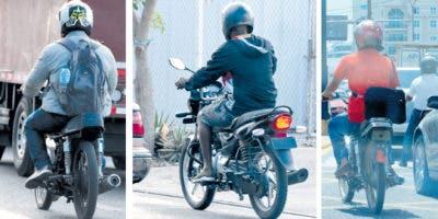 Los conductores de motores se movilizan por las calles y avenidas en total violación de la Ley de Tránsito.  ELIESER TAPIA