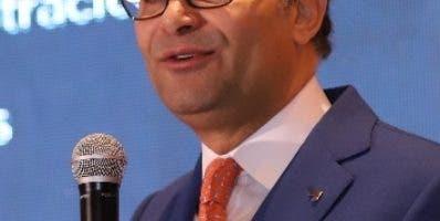 Alberto Cruz, presidente.