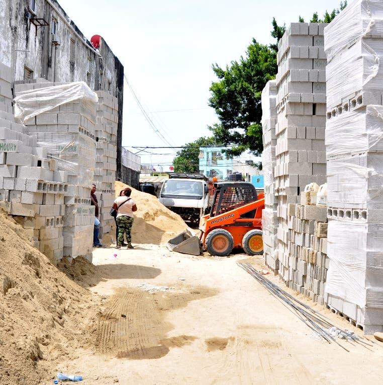La   arena,  acero  y blocks registran alza.  Carolina Fernández