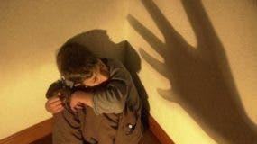 Fiscalías  del país recibieron 831 casos   violencia física niños.