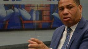 Trajano Santana, director general de la Oficina Nacional de  Derecho de Autor (ONDA), al participar de los coloquios de EL DÍA. José de León