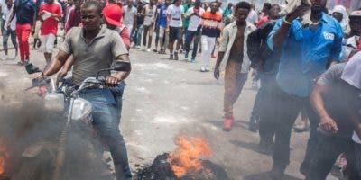 En la última jornada de protestas murió un periodista.