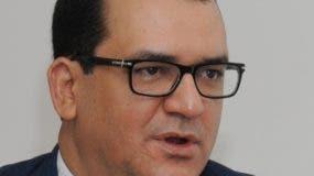 Conferencista,  juez presidente del TSE  Román Jáquez.