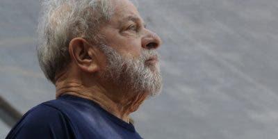 Aun en prisión, Lula Da Silva  es uno de los políticos más populares de su país.  ARCHIVO