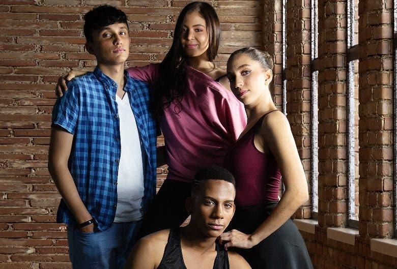 Parte de los actores que participan en el musical.