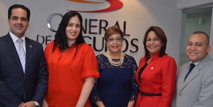 Elvin Alba, Sandra de Legorburu, Milagros de los Santos, Elvira Reyes y Armando Rodríguez.