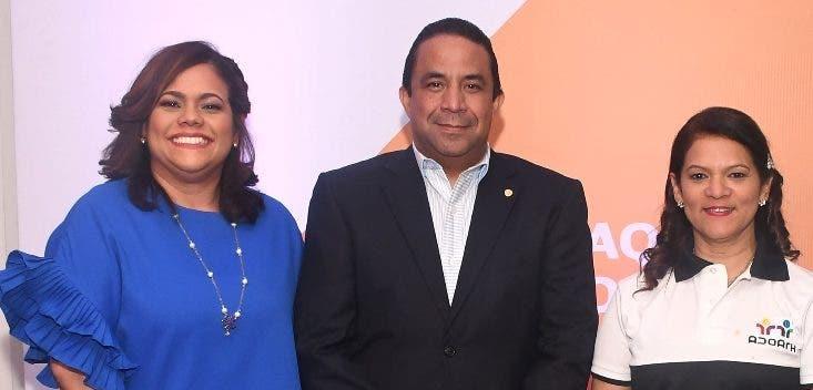 Claudia Brito, Irving Muñiz y Lourdes Gómez.
