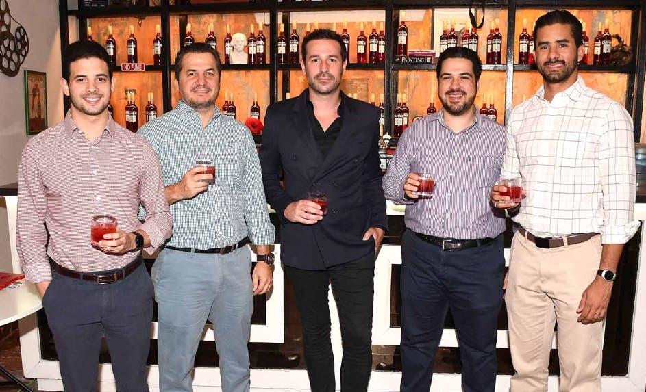 Rodolfo Herrand, Carlos Zimmermann, Roque del Río, Carlo Vargas y Juan Miguel Sosa.
