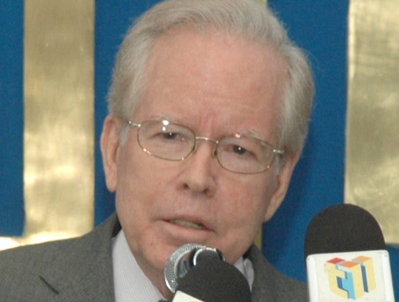 José Luis Corripio Estrada fue destinguido por trayectoria.