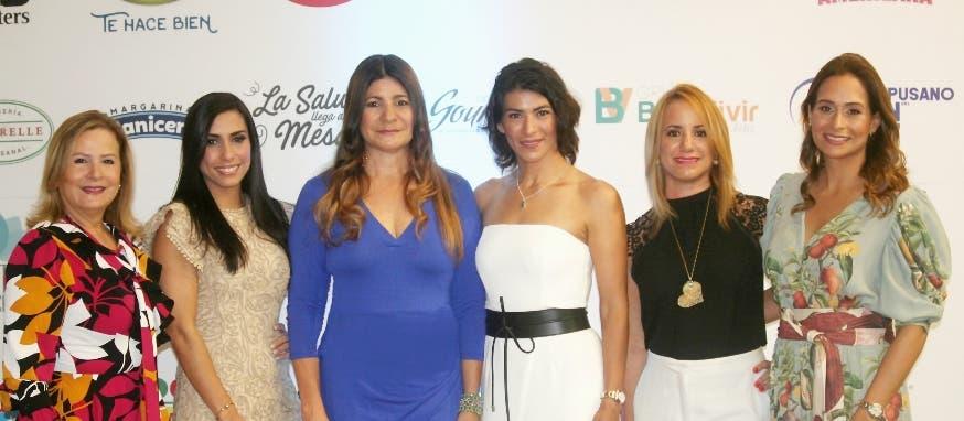 Ligia Valenzuela, Oemil Rodríguez, Luisa Féliz, Carolina Leyva, Gina Piantini y Wendy Durán.