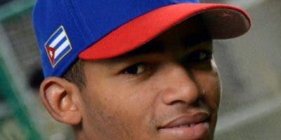 Yoelkis Céspedes abandonó la selección cubana de béisbol.