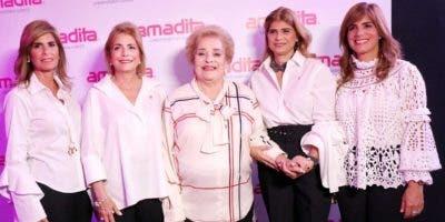 Jacqueline González, Patricia González, Amada Pittaluga de González, Pilar González y  Aimeé González.