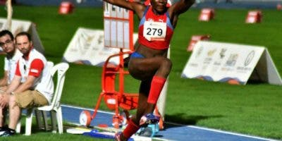 La triple saltadora Ana José Tima tiene un fuerte compromiso este fin de semana en Grand Prix de Cali, Colombia.  Archivo