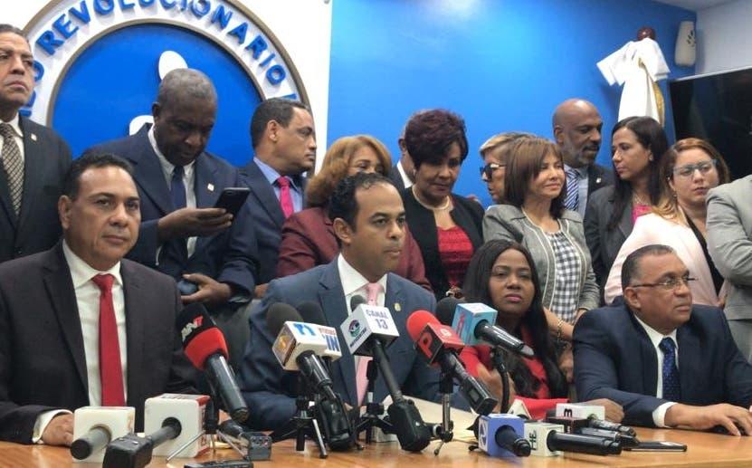 El bloque de diputados habló del tema en  una rueda de prensa.