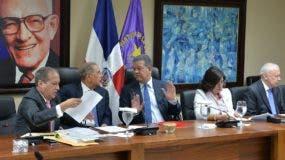 El sector de Leonel Fernández ha propuesto la reserva de todos los candidatos congresuales.  AGENCIA FOTO
