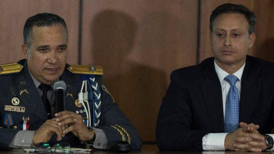 El director de la Policía, Ney Aldrin Bautista, y el procurador Jean Alain Rodríguez.