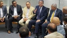 El expresidente Leonel Fernández se reunió ayer con legisladores y dirigentes de su corriente dentro del PLD.  fuente externa