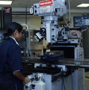 Las mujeres se interesan en todas las áreas, incluso la industrial.
