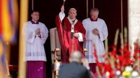 El Papa Francisco dirige la misa de Pentecostés en la plaza de San Pedro en la Ciudad del Vaticano, el 9 de junio de 2019. Pentecostés celebra el descenso del Espíritu Santo a los apóstoles. (Papa) EFE