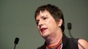 Eve Ensler sufrió abuso sexual y físico por parte de su padre.