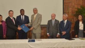 foto-firma-acuerdo-haiti