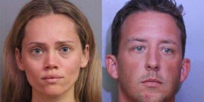 Courtney Irby entregó las armas de su marido a la policía después de que él fue acusado de agresión con agravantes de violencia doméstica, solo para terminar arrestada por robo.