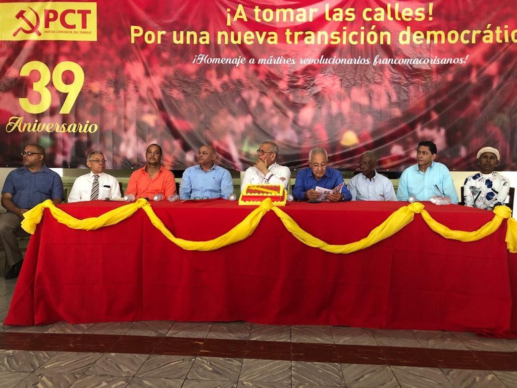 Mesa principal del acto de celebración del 39 aniversario del PCT.